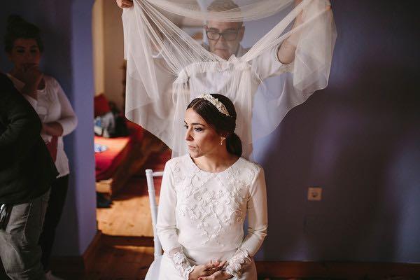 Momento velo de la boda de Clara y Xavi