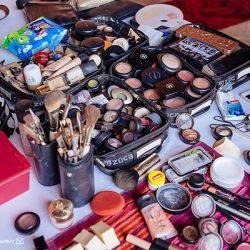 En mi maletín llevo una gran variedad de marcas, pero no pueden faltar los maquillajes minerales que uso en caso de alergias.