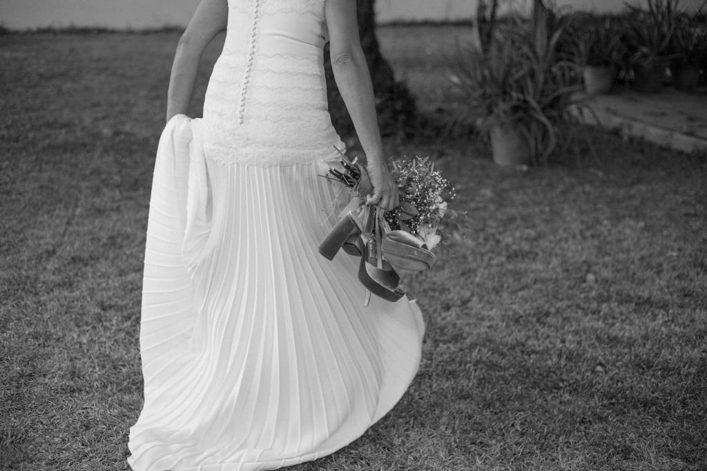 vestido de novia con falda plisada